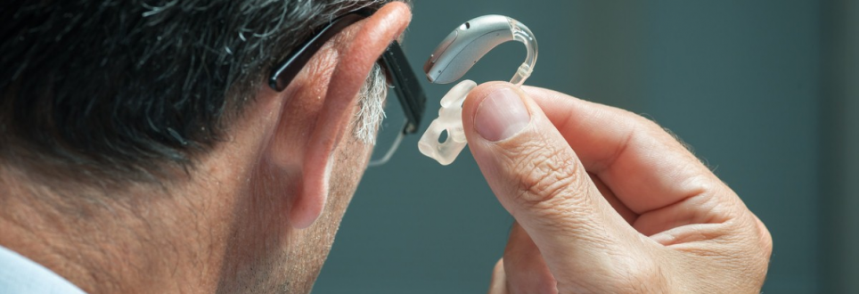 Hearing aids could slow the onset of dementia