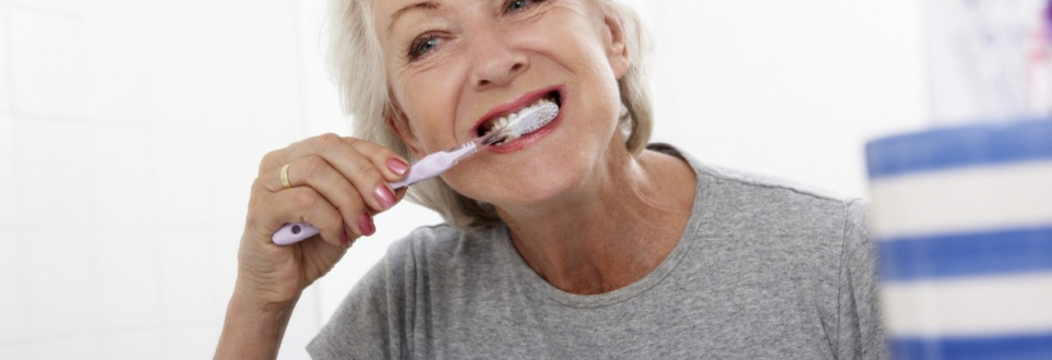 Dementia patients 'must be helped to keep their teeth clean'