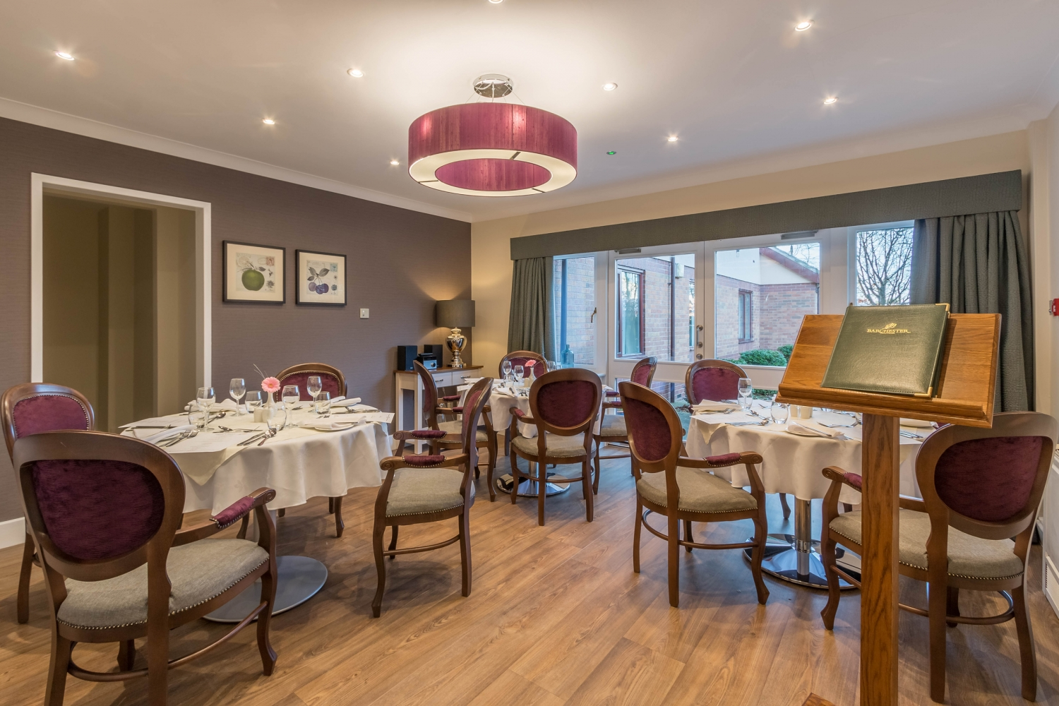 Care homes in rugby overslade house barchester healthcare for Nursing home dining room ideas