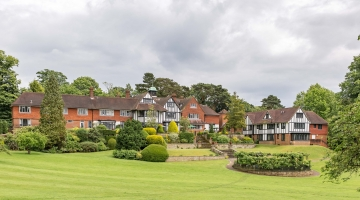 Care Home in Reigate | Reigate Beaumont