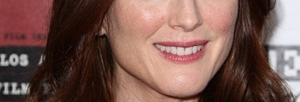 Julianne Moore discusses Alzheimer's role rewards