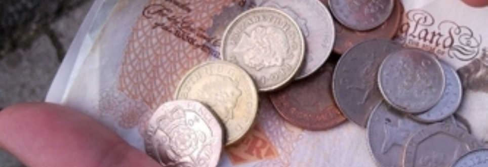 Money management problems 'could indicate dementia'