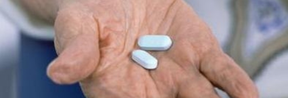 Aspirin a day could reduce risk of a common breast cancer for elderly