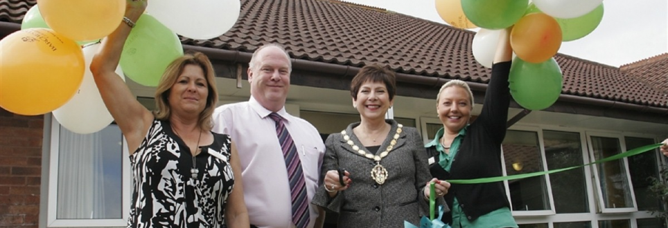 Mayor of Waltham Abbey unveils new independent hospital