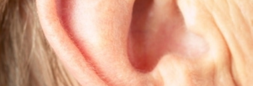People should see audiologists 'early on'