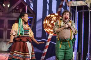 Yana Penrose as Gretel & Craig Anderson as Hansel