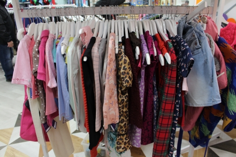 Rainbows charity shop donations