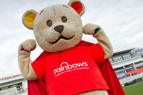 21 reasons to become a Rainbows Hospice volunteer