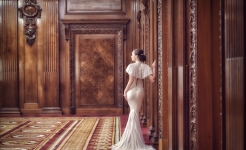 Stuart Wood Weddings / Suzie Turner Couture / Four Seasons Ten Trinity Square / Bride 3