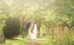 Stuart Wood Weddings / New Bath Derbyshire Wedding / Simon and Georgina Sun Kiss