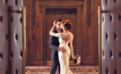 Stuart Wood Weddings / Suzie Turner Couture / Four Seasons Ten Trinity Square / Couple