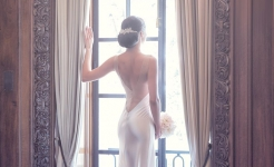 Stuart Wood Weddings / Suzie Turner Couture / Four Seasons Ten Trinity Square / Window