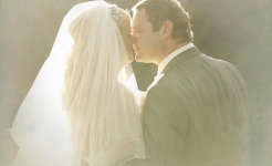 Stuart Wood Weddings / Aleena Naylor / Kiss
