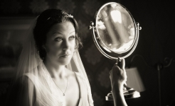 Stuart Wood Weddings / Callow Hall Weddings / Sally & Jason Mirror