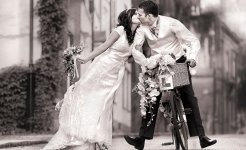 Stuart Wood Weddings / Bike