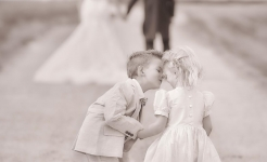 Stuart Wood Weddings / Sweet Kiss